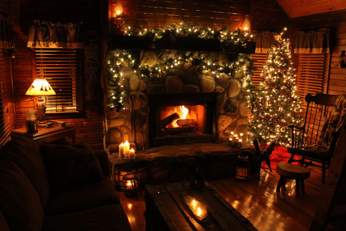 Rustic Fireplace Decoration With Christmas Lights, Garland & Christmas Tree