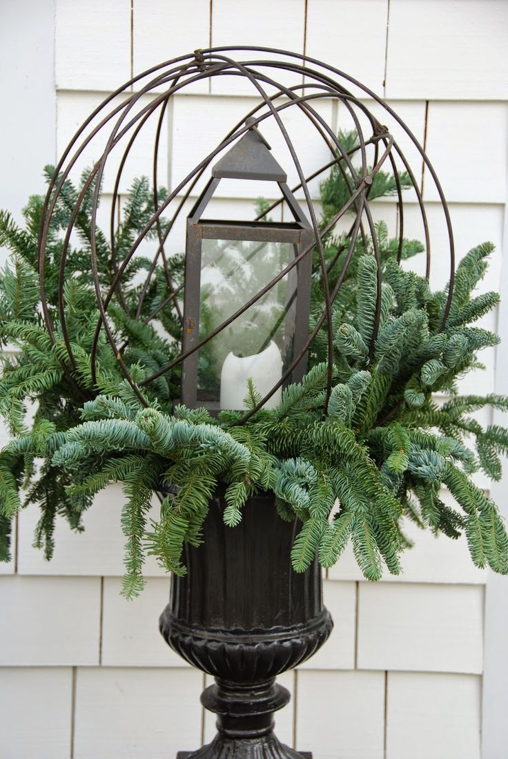 Garland decoration for outside lamps